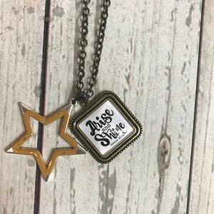 Plunder Designs Arianna necklace ⭐️
